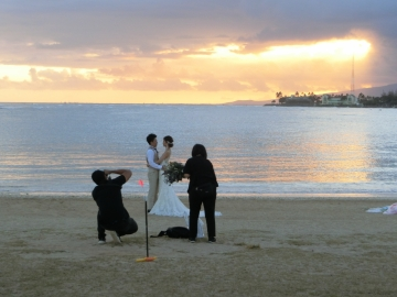 Wedding-photo-shootala-moana-beach-park