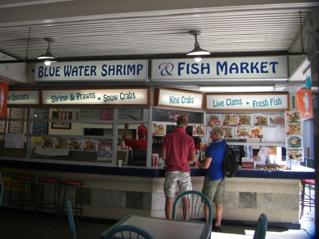 Blue_water_shrimp_fish_market_2