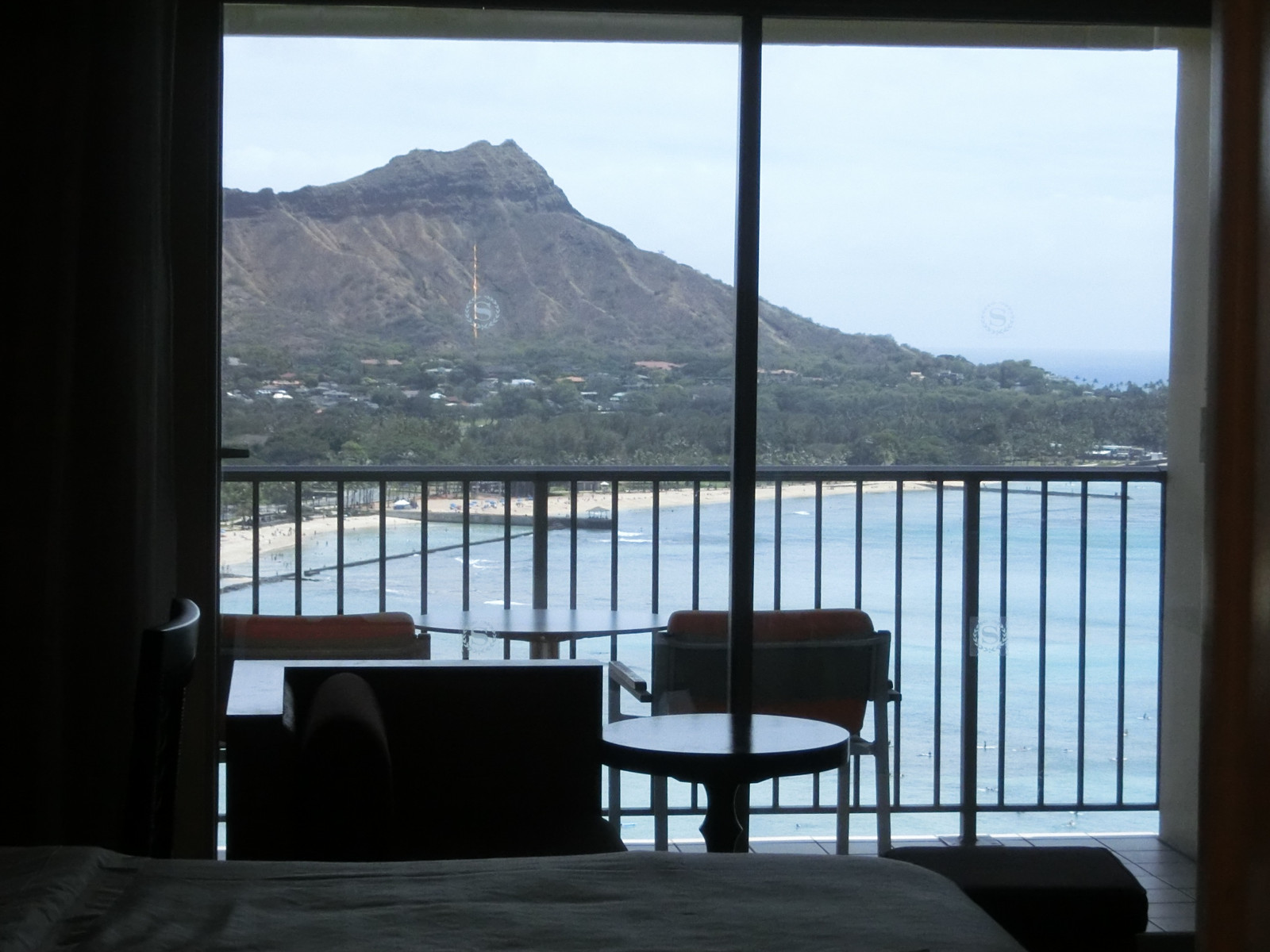 Diamond_head_viewed_from_bathroom_2