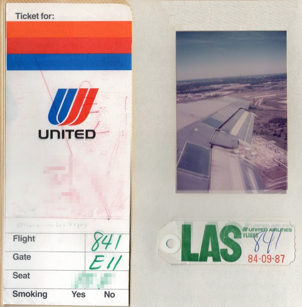 United_airlines_ticket_holder_old_2