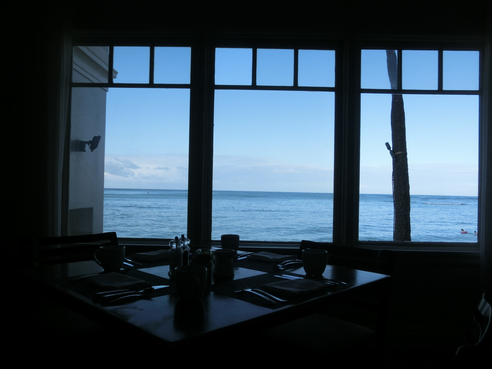 Moana_surfrider_the_veranda_2