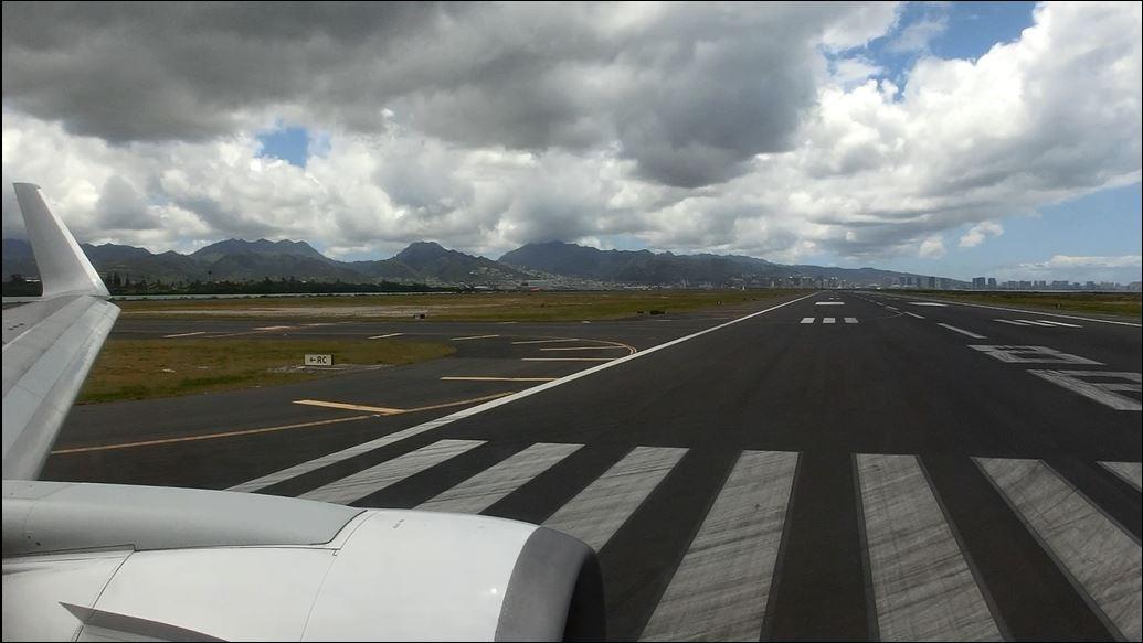 Jl785_hnl_takeoff_5
