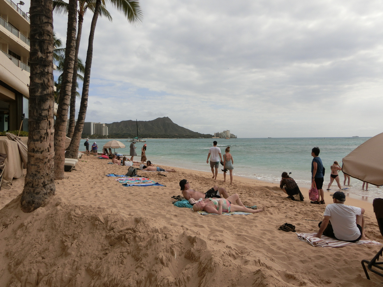 Outrigger_reef_waikiki_beach_res_11