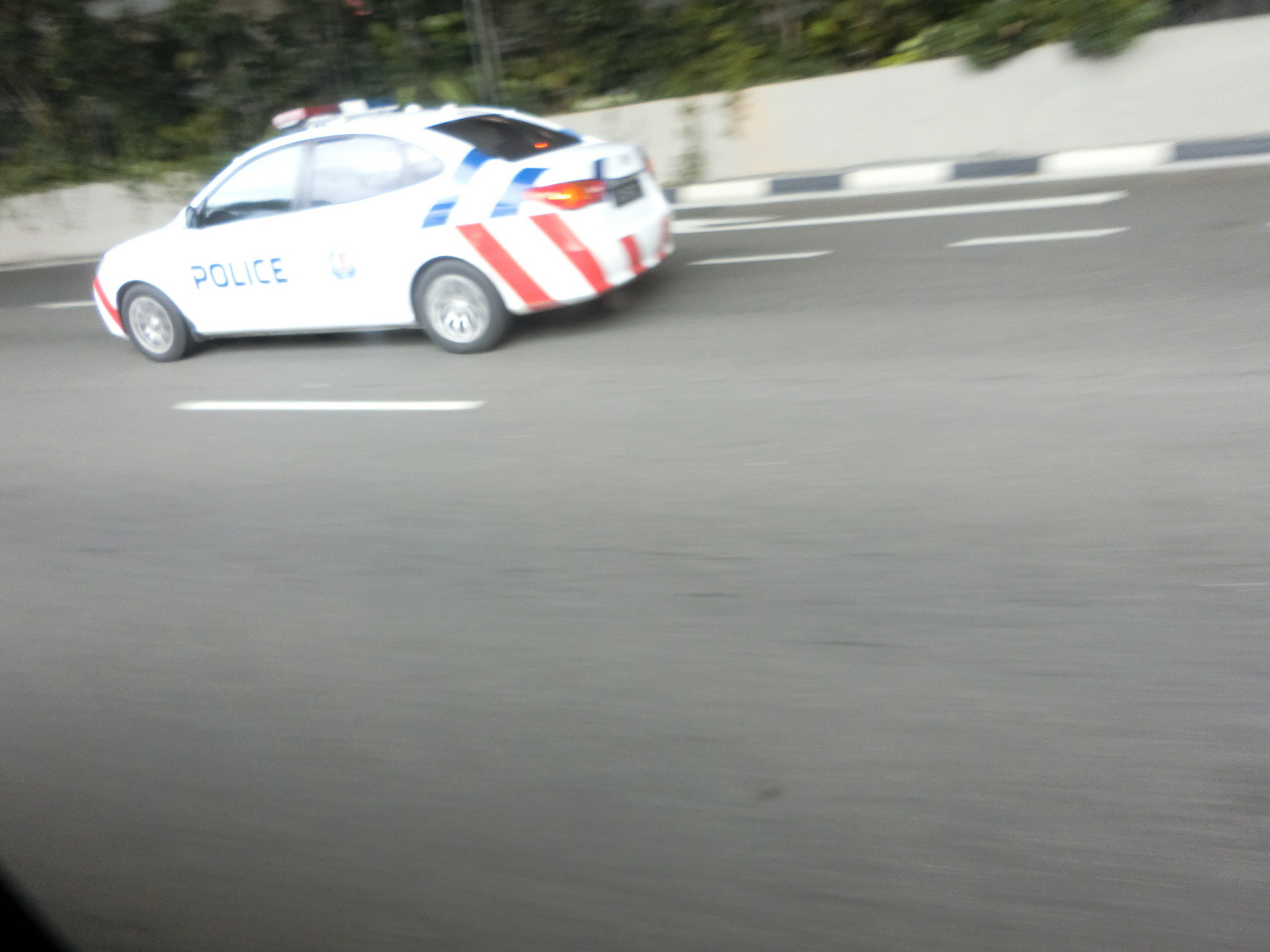 Singapore_fast_response_car