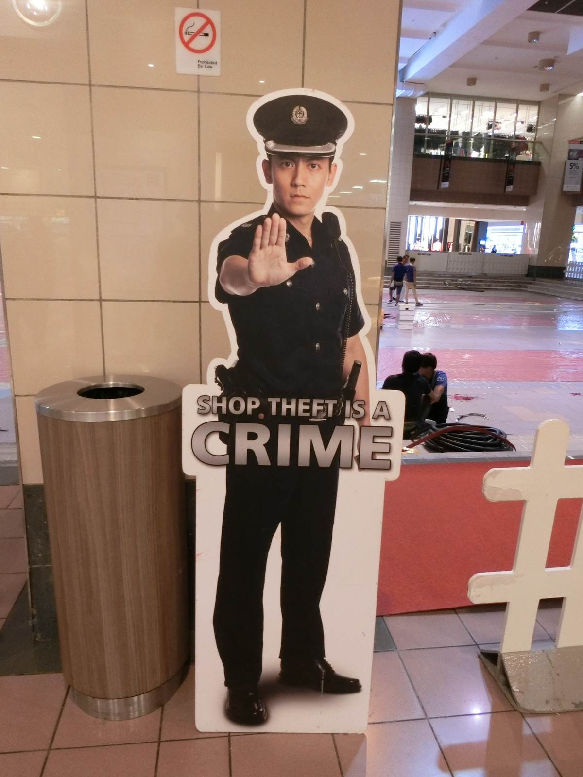 Singapore_shop_theft_is_a_crime