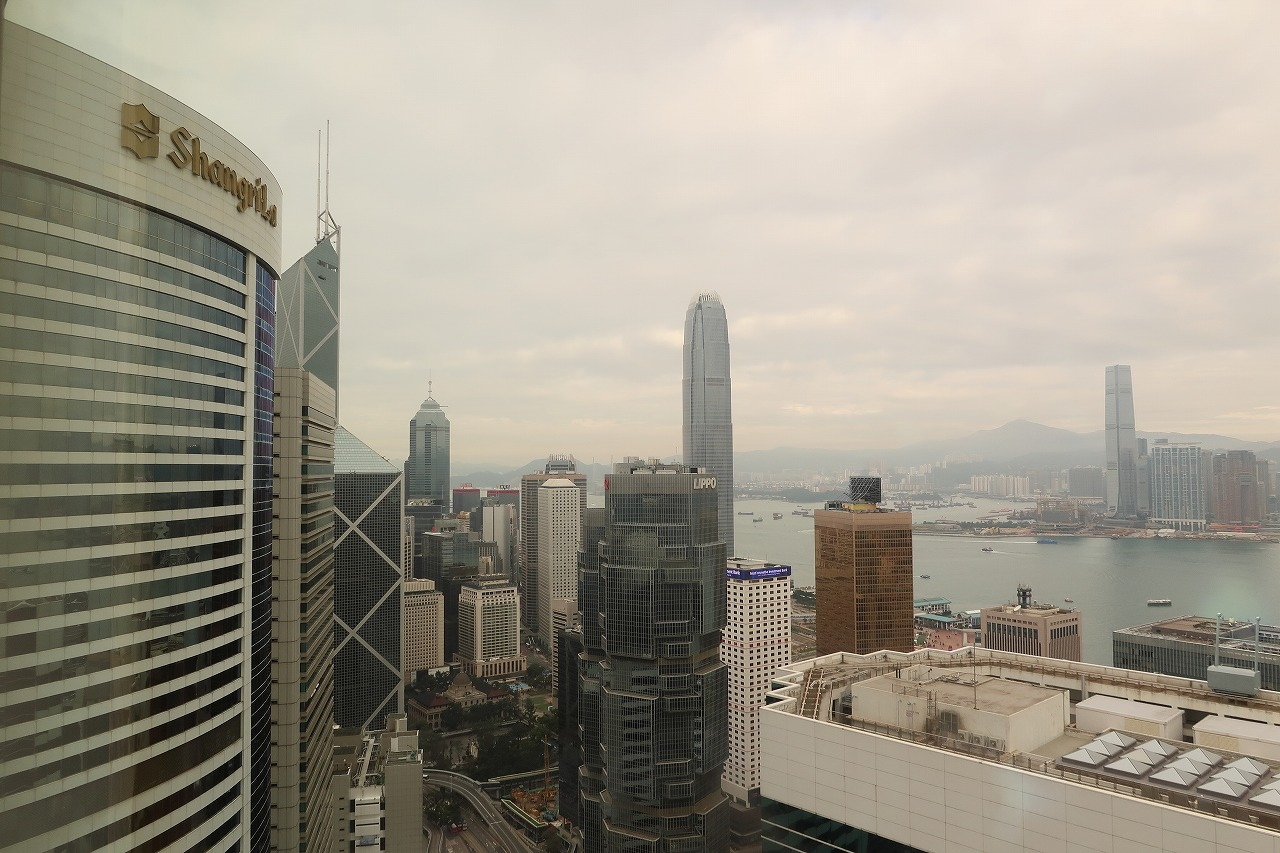 03conrad_hong_kong_56f_harbour_view